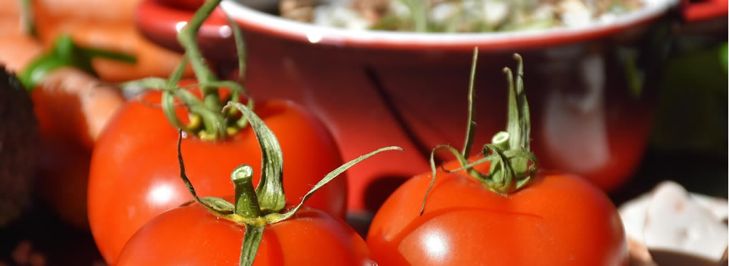 Leuke feitjes en tips over tomaat + een stoofpot recept