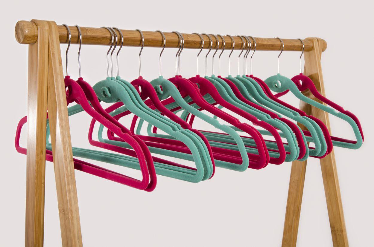 de oplossing voor jurken op de bodem van je kledingkast