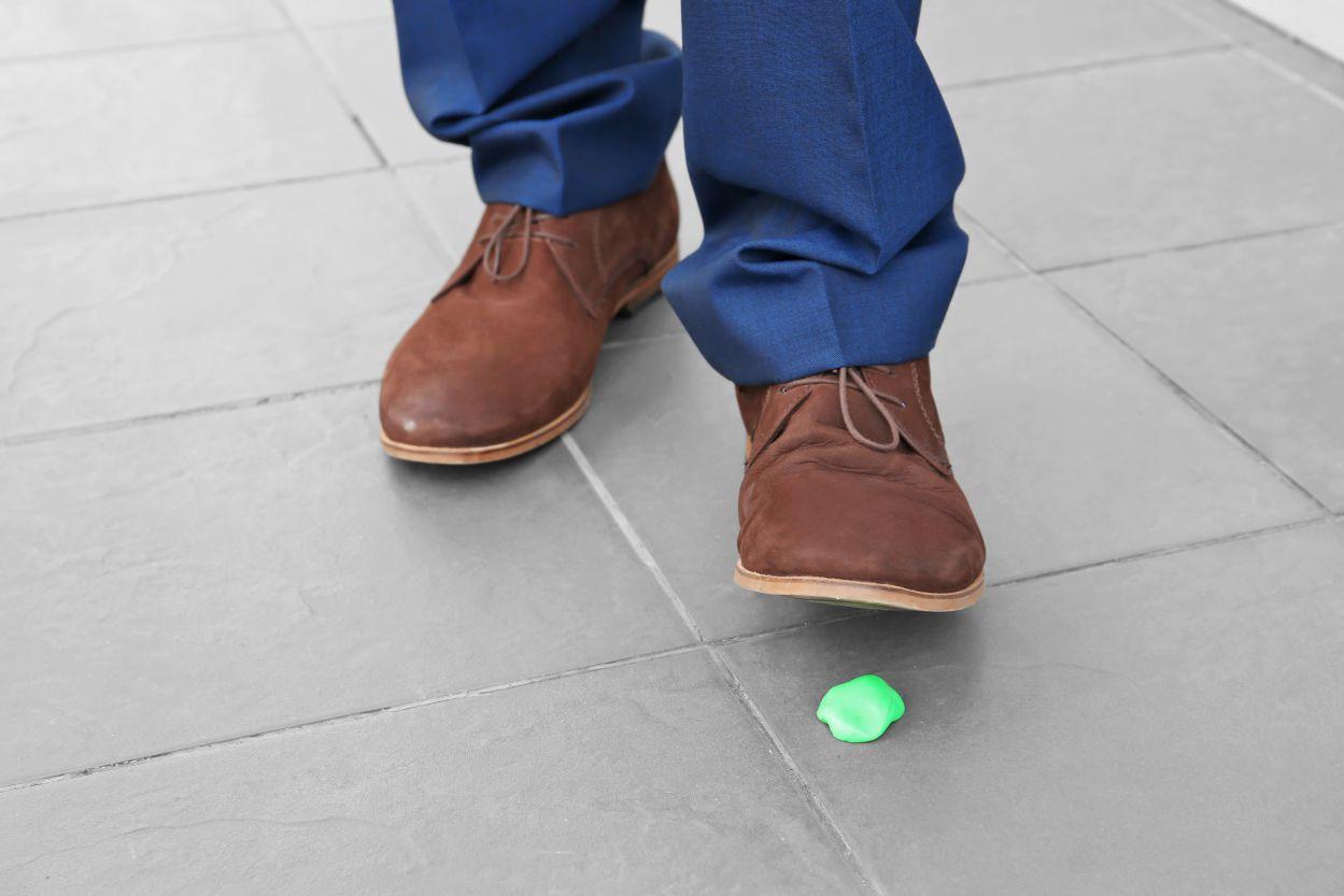 Kauwgom op de vloer?